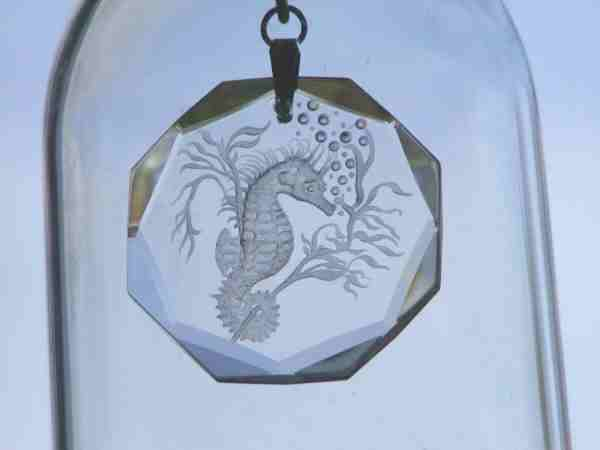 Seahorse pendant engraved by Peter Russell